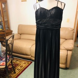 Dresses & Skirts - 🔥FLASH SALEBRAND NEW with tags SILK Evening gown